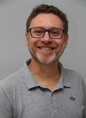 Assessor em comunicação Alexandre Savi